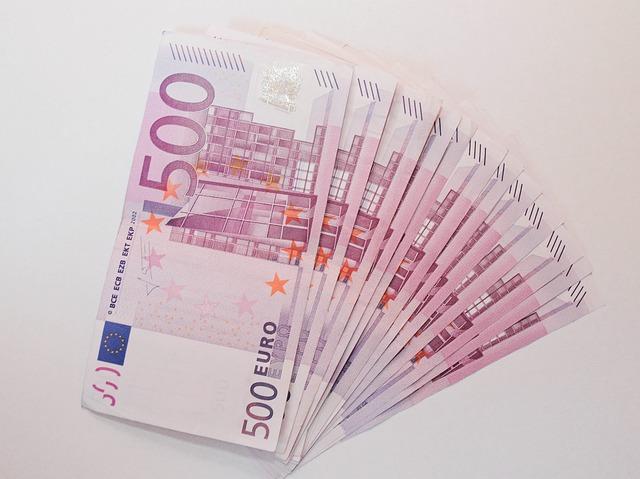 vějíř bankovek.jpg